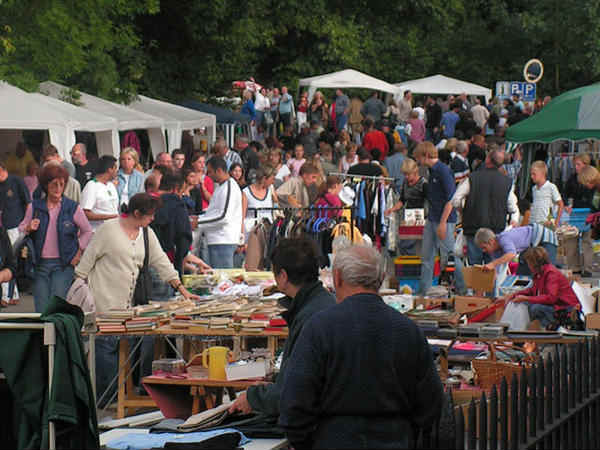 brocantes correze 19 vide greniers bourse aux jouets et vide dressing. Black Bedroom Furniture Sets. Home Design Ideas