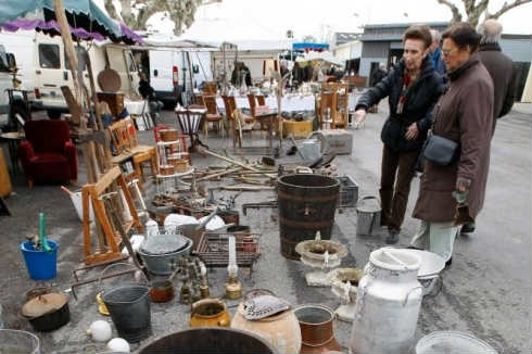 Brocante et vide-greniers, Chiroubles