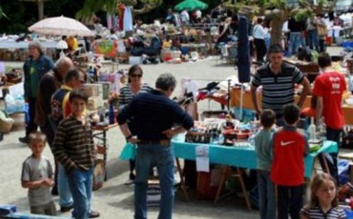 Brocantes paris 75 vide greniers bourse aux jouets et vide dressing - Difference brocante vide grenier ...
